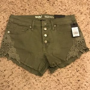 Army green high-rise shorts